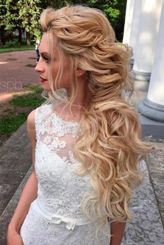 Hottest Bridesmaid Hair Styles ★ See more: http://lovehairstyles.com/bridesmaid-hair-ideas-trends/