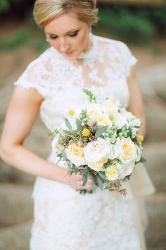 Beautiful Yellow Bridal bouquet | Romantic garden Florida wedding | Photo by Hunter Ryan Photo