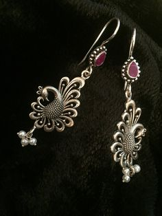 The Loom- An online Shop for Exclusive Handcrafted products comprising of Apparel, Sarees, Jewelry, Footwears & Home decor. Indian Jewelry Earrings, Silver Jewellery Indian, Bead Jewellery, Bridal Jewelry, Jewelery, Silver Jewelry, Silver Earrings, Antique Jewellery Designs, Gold Earrings Designs