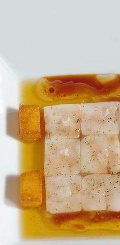 477, El Bulli, 1998, tapas,  consomé gelé caliente con tuétano de ternera (hot jellied consommé with veal marrow)