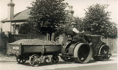 https://flic.kr/p/rTioLm | Road roller | Black and white photograph of workman laying roads using a road roller. Hampshire, date Unknown. HMCMS:P1998.156.5 DPAAFK61
