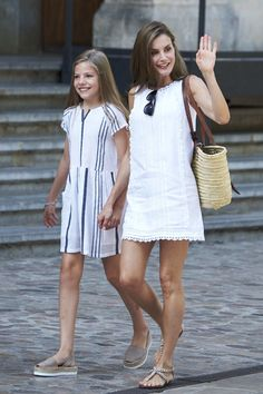 King Felipe, Queen Letizia and their daughters visited the Can Prunera Museum in Palma de Mallorca