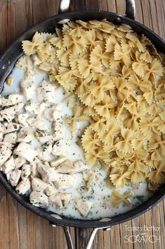 One-Pan Skinny Chicken Alfredo Pasta has all of the yummy flavor of traditional Alfredo, without all the calories! And it's made in ONE PAN!