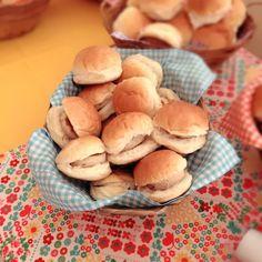 Hamburguer de frango para cardápio pic nic criação @marianacyrnefesteira #marianacyrnefesteira #picnicparty #buffetdefesta