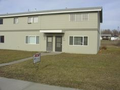 Two Bedroom Townhouse - Billings MT Rentals - 2814- Two Bedroom, One Bath Townhouse, off street parking, coin-op laundry on site. | Pets: Not Allowed | Rent: $675.00  | Call Rainbow Property Management, Inc. at 406-248-9028
