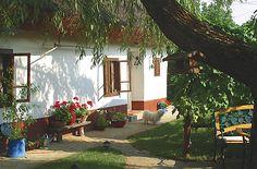 Szigliget, Old Village, Hungary Cozy Cottage, Cottage Style, Novi Sad, Vernacular Architecture, Country Life, Macedonia, Hungary, Albania, Slovenia