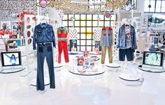 A new premium collection by #Wrangler in collaboration with the master of the #psychedelicprint #Peter Max, marking both Wrangler's 70th anniversary and the 'Summer of Love's 50th.  They first collaborated with the celebrated artist in the early 70s, and the new line, updated with modern fits, has the same boldly colourful, upbeat period feel.  The collection featuring jeans, shorts, western shirts and jackets, printed sweats and Ts now available at 10 Corso Como.  #WranglerbyPeterMax