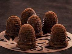 Včelí úly s ořechovým likérem Christmas Baking, Christmas Cookies, Cookie Bars, Food And Drink, Eggs, Sweets, Breakfast, Desserts, Gardening