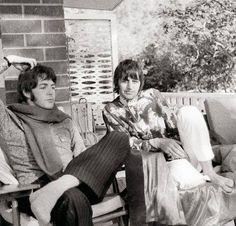 Pinterest   hardtosayno. . . Paul and Ringo, 1968
