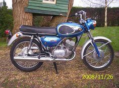 1968-suzuki-t200.jpg 800×593 pixels