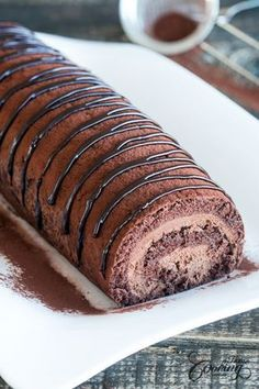 Chocolate Swiss Roll Chocolate Swiss Roll Related posts: Biscuit roll with chocolate & strawberry mascarpone filling Super Fluffy und Soft Japanese Chocolate Cake Roll – Dessert & Kuchen Rezepte Swiss roll with coffee cream Chocolate Roll Food Cakes, Cupcake Cakes, Cupcakes, Cake Roll Recipes, Dessert Recipes, Frosting Recipes, Just Desserts, Delicious Desserts, Swiss Desserts