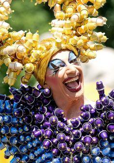 ドイツ・ミュンヘン(Munich)で行われた同性愛者への差別撤廃を訴える毎年恒例のイベント、クリストファー・ストリート・デー(Christopher Street Day、CSD)のパレードの参加者(2014年7月19日撮影)。(c)AFP/DPA/SVEN HOPPE ▼20Jul2014AFP|ドイツ2都市でゲイパレード、差別撤廃など訴え http://www.afpbb.com/articles/-/3021016 #Munich #Christopher_Street_Day_2014