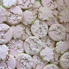 Cherry Blossoms Flower Sugar Cookies, Blossom Cookies, Sugar Flowers, Cherry Blossom Cake, Cherry Blossom Wedding, Cherry Blossoms, Japanese Wedding Cakes, Cookie Designs, Cookie Ideas