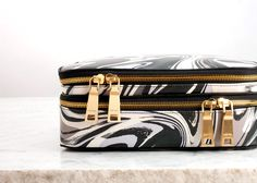 marble makeup case. want