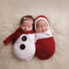 Newborn Baby Christmas Photoshoot – Foto Baby – Newborn Baby Christmas Photoshoot – Foto Baby – Get more photo about subject related with by looking at photos gallery at the bottom… Continue Reading → Baby Christmas Photoshoot, Newborn Christmas, Babies First Christmas, Christmas Baby, Christmas Snowman, Snowman Hat, Crochet Snowman, Celebrating Christmas, Christmas Sweets