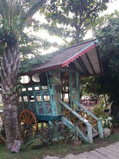 La Laguna beach lounge, Bali
