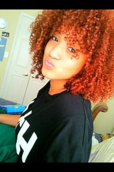 Love her hair color Afro Hairstyles, Pretty Hairstyles, Curly Hair Styles, Natural Hair Styles, Natural Curls, Big Hair Dont Care, Natural Hair Inspiration, Natural Hair Journey, Gorgeous Hair