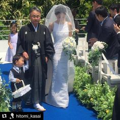 #east meets #west ! #love this #image of our #realwedding in #japan with our fabulous #bride wearing our #style #agnes in #silk #shantung . #casamento #matrimonio #marriage #hochzeit #dress #gown #walkingdowntheaisle #ceremony #lovemyjob #designerfashion http://gelinshop.com/ipost/1520081475705628243/?code=BUYagxlFeZT