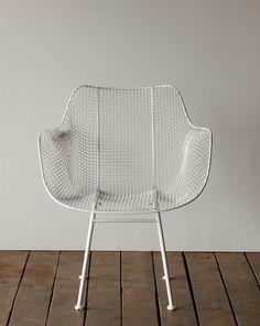 Lostine Biscayne wire mesh armchair white mid century design