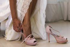 Zapatos de Jorge Larrañaga, en ante y pitón, hechos a medida.Boda Beatriz 6-9-2014.Madrid #eshop #tiendaonline BUY/COMPRAR: http://www.jorgelarranaga.com/es/home/43-230.html