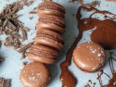Ganache aus Zartbitter Kuvertüre für Macarons – Famous Last Words Nutella Muffins, Chocolate Muffins, Chocolate Ganache, Macarons Chocolate, Cupcakes, Cupcake Cakes, Sweet Cookies, Sweets Cake, No Bake Pies