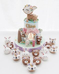 Oh les oursons sont trop mignons ! - Amo esse tema 💕💕💕 By - Inspired by Cake Cookies, Cupcake Cakes, Cupcake Art, Woodland Cake, Woodland Party, Cupcakes Decorados, Baby Girl 1st Birthday, Birthday Cake, Animal Cakes