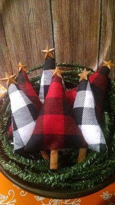 Fabric Christmas Ornaments, Plaid Christmas, Rustic Christmas, Christmas Holidays, Christmas Decorations, Primitive Christmas Ornaments, Cowboy Christmas, Christmas Snowman, Christmas Wreaths