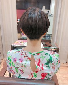 Charm materi西口めぐみ/イルミナ/エクステ/和装さんはInstagramを利用しています:「ハンサム大人ショート♡ #刈り上げ女子 #フルート トークさせていただけるお客様♡ いつもありがとうございます! #ショートヘア #カットもしてますよ * *°〜。・*°,…°⚪︎。〜* . . . .…」