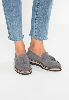 Pier One Mocasines - lavagna - Zalando. Pier One, Fashion Shoes, Mens Fashion, Kinds Of Clothes, Beautiful Shoes, Loafers, Oxfords, Me Too Shoes, Casual Shoes