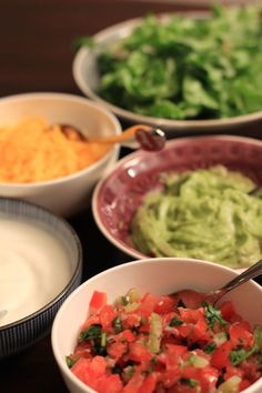 The sides are very important for your Tortilla Wrapt: Guacamole, Cheddar-Cheese, Yoghurt with Tabasco ans Cumin as well as a pinch of Chili-Lime-Salt and a refreshing Santa Maria Salsa with tomatoes, cilandro, lime and onions. Aye Caramba!