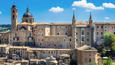Best Of Italy, Travel Memories, Barcelona Cathedral, Countryside, Taj Mahal, House Styles, Beautiful, Home, Gold