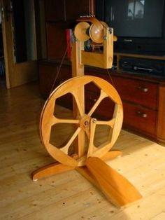 Humanushaus spinning wheel