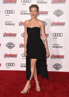 "Scarlett Johansson in Stella McCartney attends the premiere of Marvel's ""Avengers: Age Of Ultron"" on April 13, 2015"