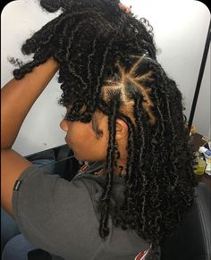 Braids Hairstyles Pictures, Faux Locs Hairstyles, Black Girl Braided Hairstyles, African Braids Hairstyles, Baddie Hairstyles, Girl Hairstyles, Hairstyle Short, School Hairstyles, Protective Hairstyles