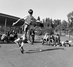 rodney mullen chillin with minor threat / glen e. friedman