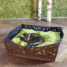 BOWL Nido cat bed in felt, cushion filled with high end latex flakes. 5 felt colours, 9 cover colours, cover in fleece or cotton. Handmade with love by pet-interiors.