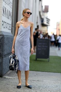 grey dress & flats #style #fashion #streetstyle