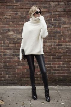 6 winter essentials to keep you trendy - Mode - Look Fashion, Trendy Fashion, Fashion Models, Fashion Outfits, Womens Fashion, Fashion 2017, Fashion Tips, Fashion Trends, Midi Skirts