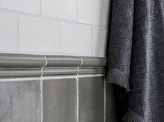 dekoratívne kachličky Wall Tiles, Creative Design, Toilet, Bathroom, Google, Moldings, Room Tiles, Washroom, Flush Toilet