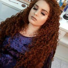 """130 curtidas, 9 comentários - Fernanda Vale (@nanda.vallee) no Instagram: """"Ela arrasa na make ❤ @dimoraesmakeup #cachos #cachinhos #volume #definiçao #todecacho #ruiva…"""""""