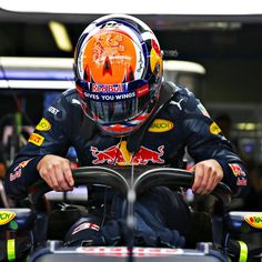 "Red Bull Racing op Twitter: ""Max, back with his now familiar orange lid, tests…"