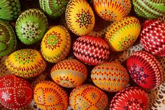 make decorations for Easter, painting ideas and patterns for easter eggs