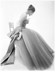 Fiona Campbell Walter wearing a gown by Hardy Amies, 1953. Photo by Norman Parkinson.
