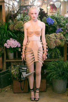 Zana Bayne Ready To Wear Spring Summer 2014 Paris Dark Fashion, Live Fashion, Fashion Show, Fashion Design, Fashion Fashion, Runway Fashion, Fashion Beauty, Looks Style, Spring Summer