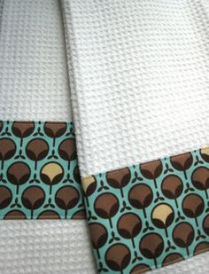 cute dishtowels! -here's an easy and quick project!  it took me literally 15 minutes, including taking the pictures. they are cute dishtowels to wipe your hands on, and an awesome way to keep them put.