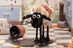 A Close Shave - The Birth of Shaun the Sheep - Wallace and Gromit Animated Cartoons, Cool Cartoons, Clay Animation, Sheep Cartoon, Timmy Time, Shaun The Sheep, Cute Sheep, Close Shave, Chicken Runs