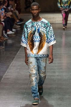 Look 5 of 108  Spring 2016 Menswear  Dolce & Gabbanahttp://www.style.com/slideshows/fashion-shows/spring-2016-menswear/dolce-gabbana/collection/5