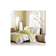 Madison Park Lola Modern 6-pc. Quilt Set ($140) ❤ liked on Polyvore featuring home, bed & bath, bedding, quilts, king quilt sets, king sham, king size bedding, king quilt coverlet and king size bed linen