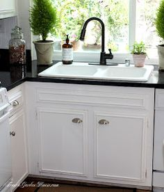 Frenchgardenhouse: Paint Your Kitchen Counters