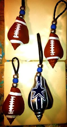 Cowboys fans : fighting conch shell ornaments. Seashell Ornaments, Seashell Crafts, Christmas Time, Christmas Ideas, Christmas Decorations, Fighting Conch, Oyster Shell Crafts, Fun Crafts, Arts And Crafts